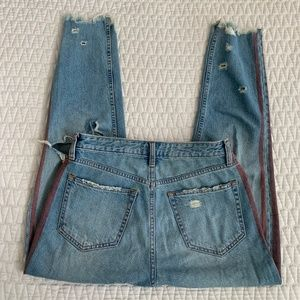 Abercrombie & Fitch Jeans - A&F High Rise Mom Jeans